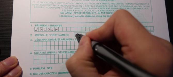VIDEO___Cách điền giấy xin cư trú trong vòng 10 phút.